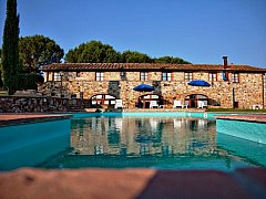 fattoria-pratalechiantibeautiful-swimming-pool-160_1.jpg