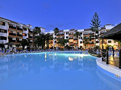 globales-tamaimo-tropical-piscina-general-noche_1392978609.jpg